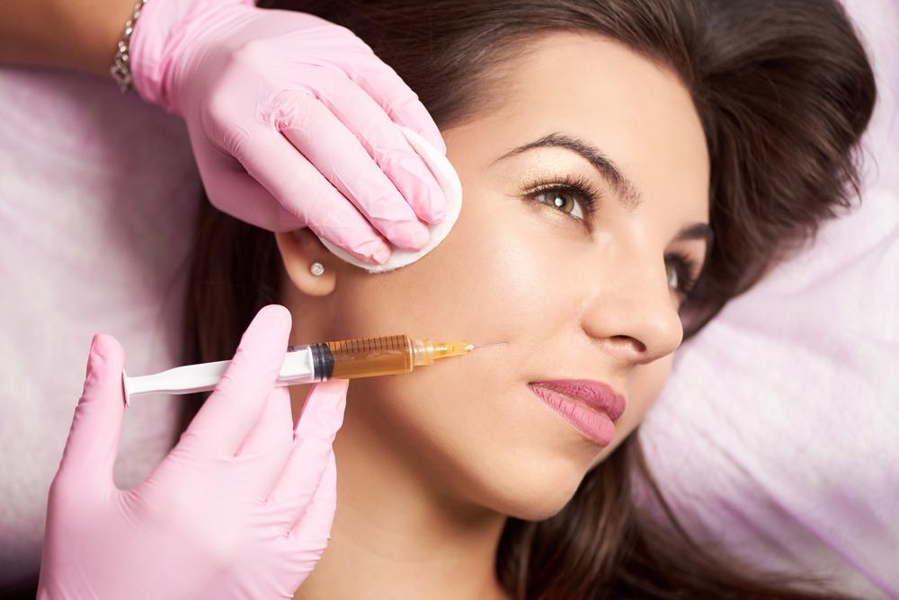 Woman having skin fillers in Hifu Skin Clinic
